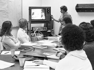 Psychiatric-mental health master's class, 1970s.	Eleanor Crowder Bjoring Center for Nursing Historical Inquiry, University of Virginia School of Nursing. Ralph Thompson, Photographer.