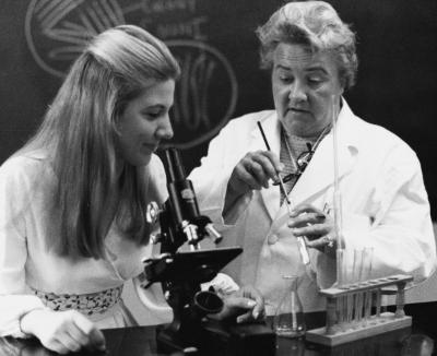 Dr. Phyllis Verhonick instructs a nursing student in laboratory research skills.	Dr. Verhonick with Jeanne 'Di' Beener (later Wickliff), 1969. Eleanor Crowder Bjoring Center for Nursing Historical Inquiry, University of Virginia School of Nursing.