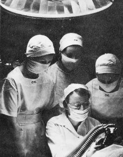 Student nurses of 1939 receive anesthesia training. On the left is future faculty member and dean Zula Mae Baber. Ruth Repass Shaver Collection.   Eleanor Crowder Bjoring Center for Nursing Historical Inquiry, University of Virginia School of Nursing.
