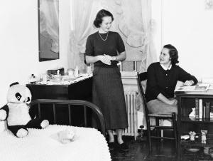 1949 School of Nursing catalog photos depict student life in McKim Hall as friendly and social, in comfortable home-like settings.	Eleanor Crowder Bjoring Center for Nursing Historical Inquiry, University of Virginia School of Nursing.